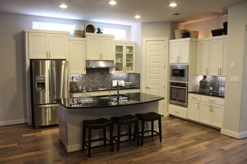 Kitchen Cabinet Color