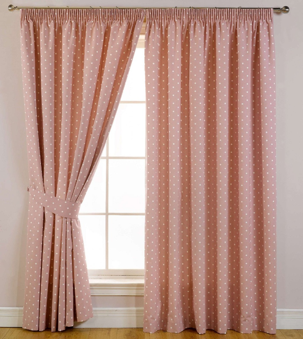 Useful Bedroom Curtains Tips