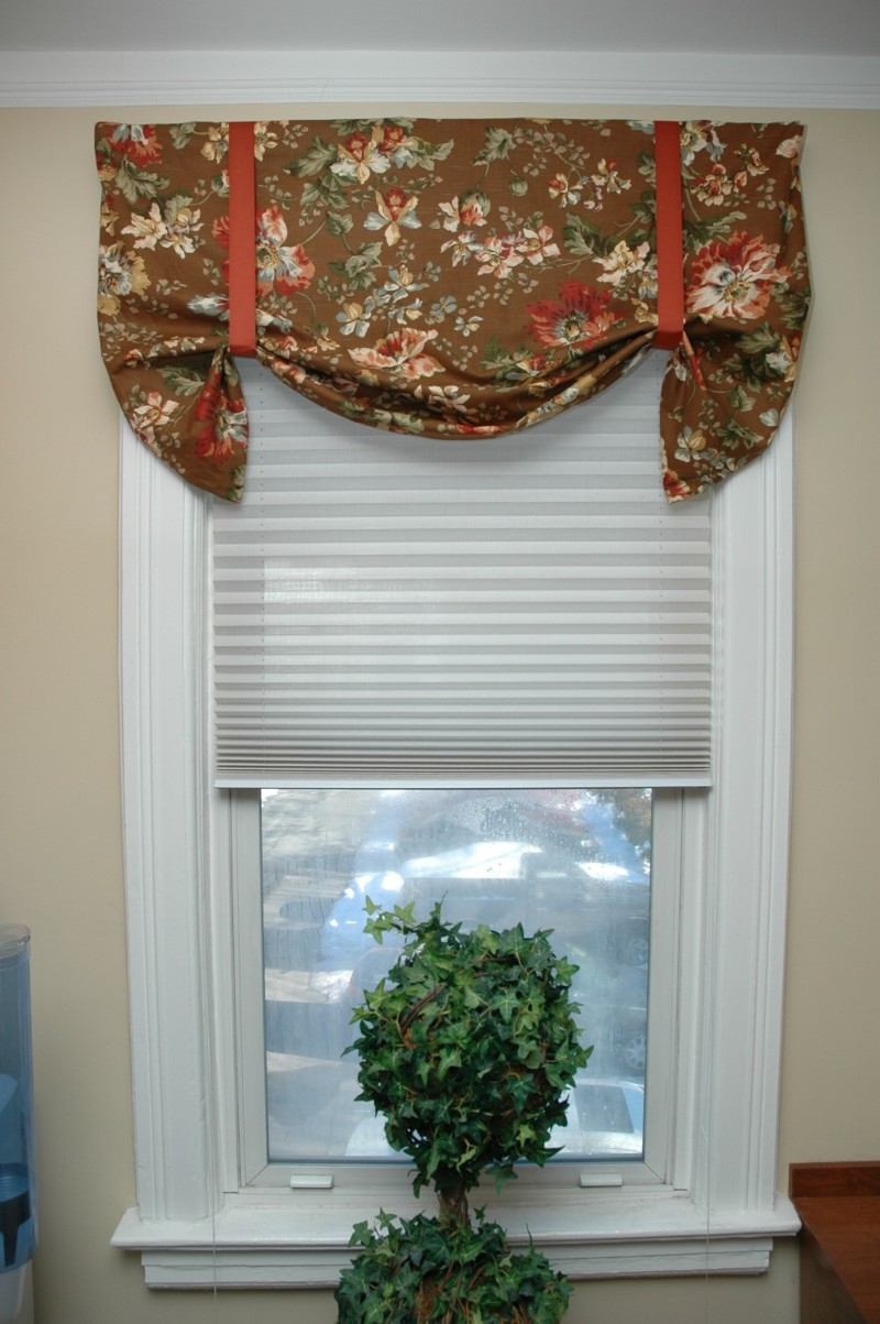 Window's Toppers Decorate Personality Creativity