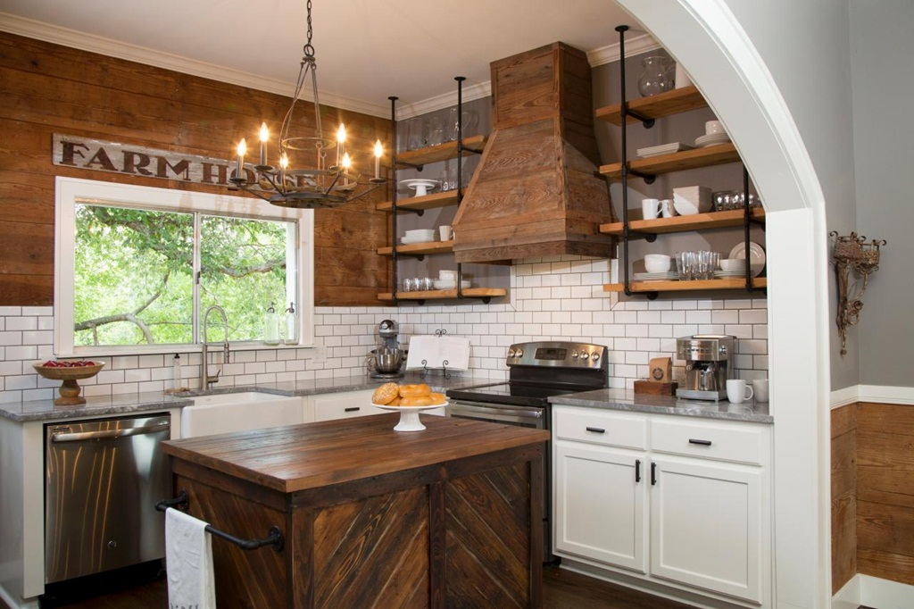 Functional Decorative Kitchen