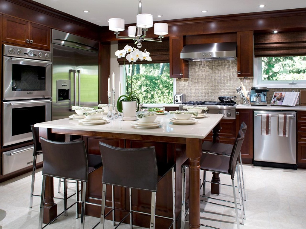 Neutral Charm Kitchen Design